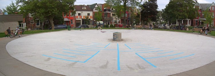 bellevue-square-park-labyrinth-in-progress-august-3-2009