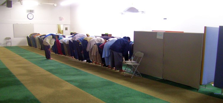 fajr-prayer-at-dawah-centre-toronto-thursday-september-17-2009