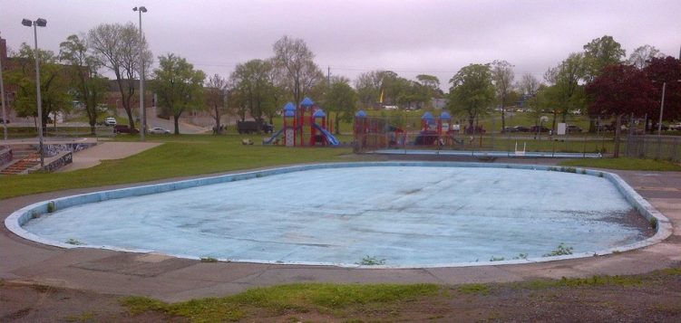 Wading Pool - aka - Spray Pool - Halifax, Nova Scotia - twitter-com-LabyrinthsDOTca-status-740275973703094272
