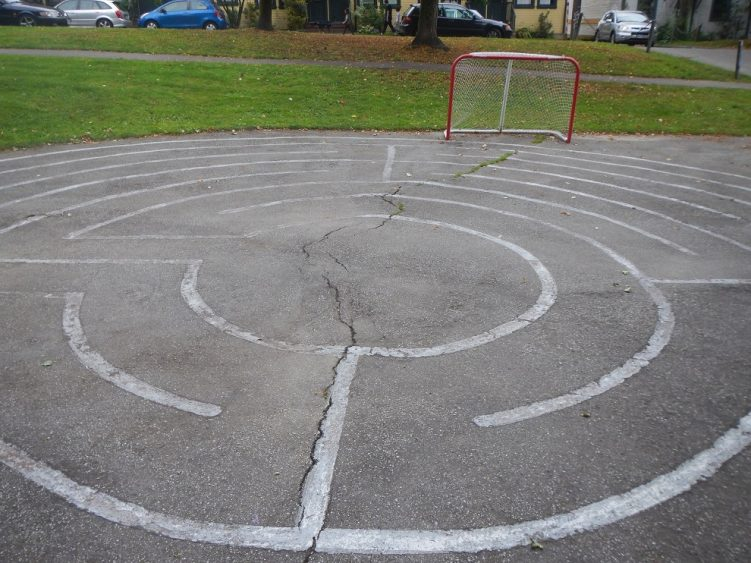 Labyrinth-7-circuit-inner-chartres-Hockey-net-Strathcona-Linear-Park-Vancouver-British-Columbia-Saturday-July-16-2016
